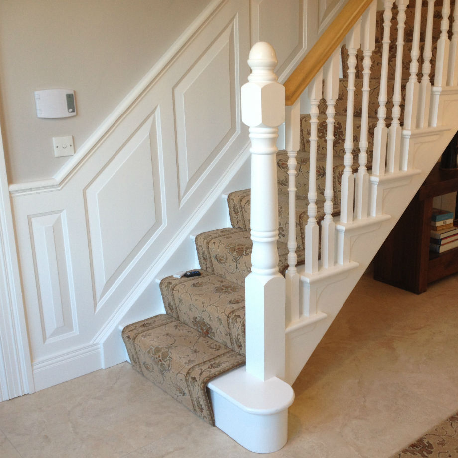 Charmant Raised Wall Panelling Kit For Stairs 2.4m Long