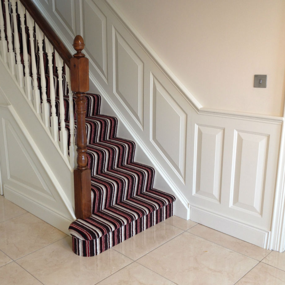 Raised Wall Panelling Kit For Stairs 2.4m Long